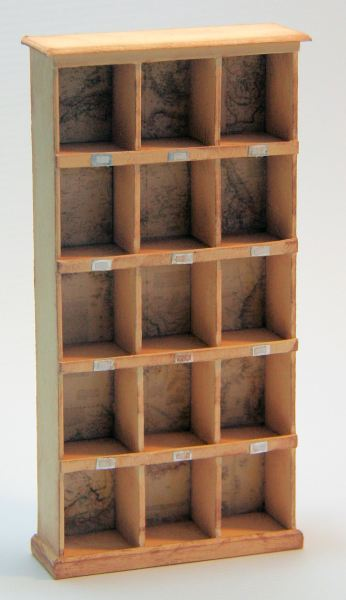 008 Pigeon hole bookcase 1:12