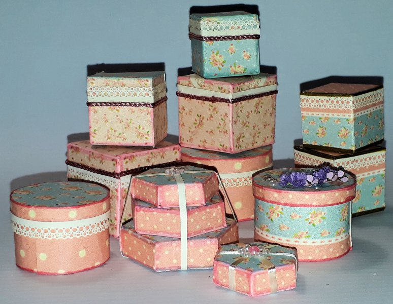 021 Hat boxes and packaging - Candy floss 1:12
