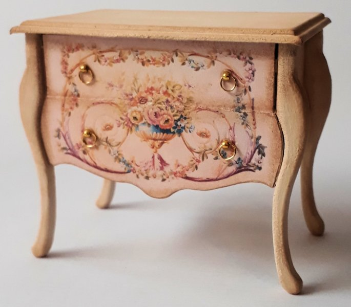 026 Chest of drawers with long legs 1:12