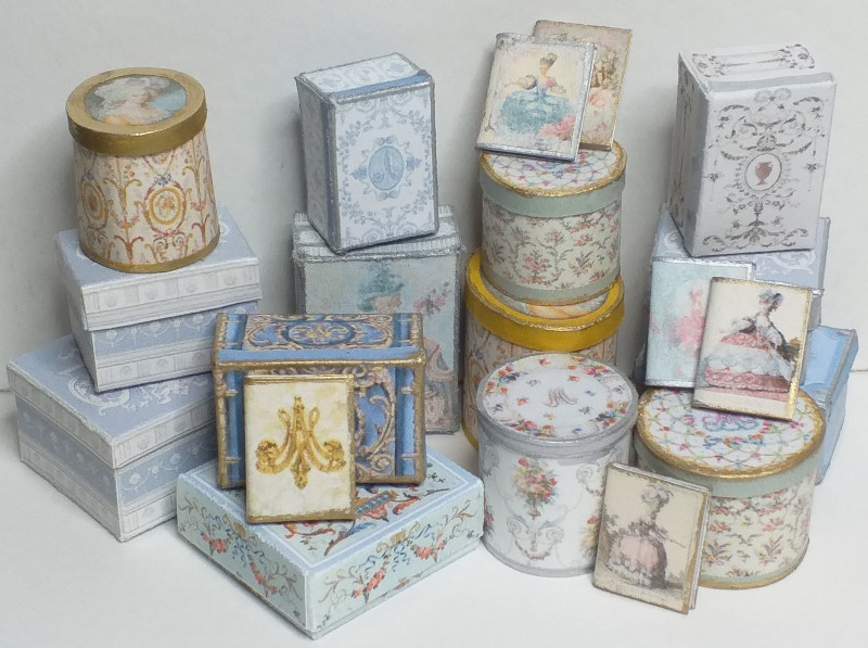 094 Hat boxes and packaging Marie Antoinette